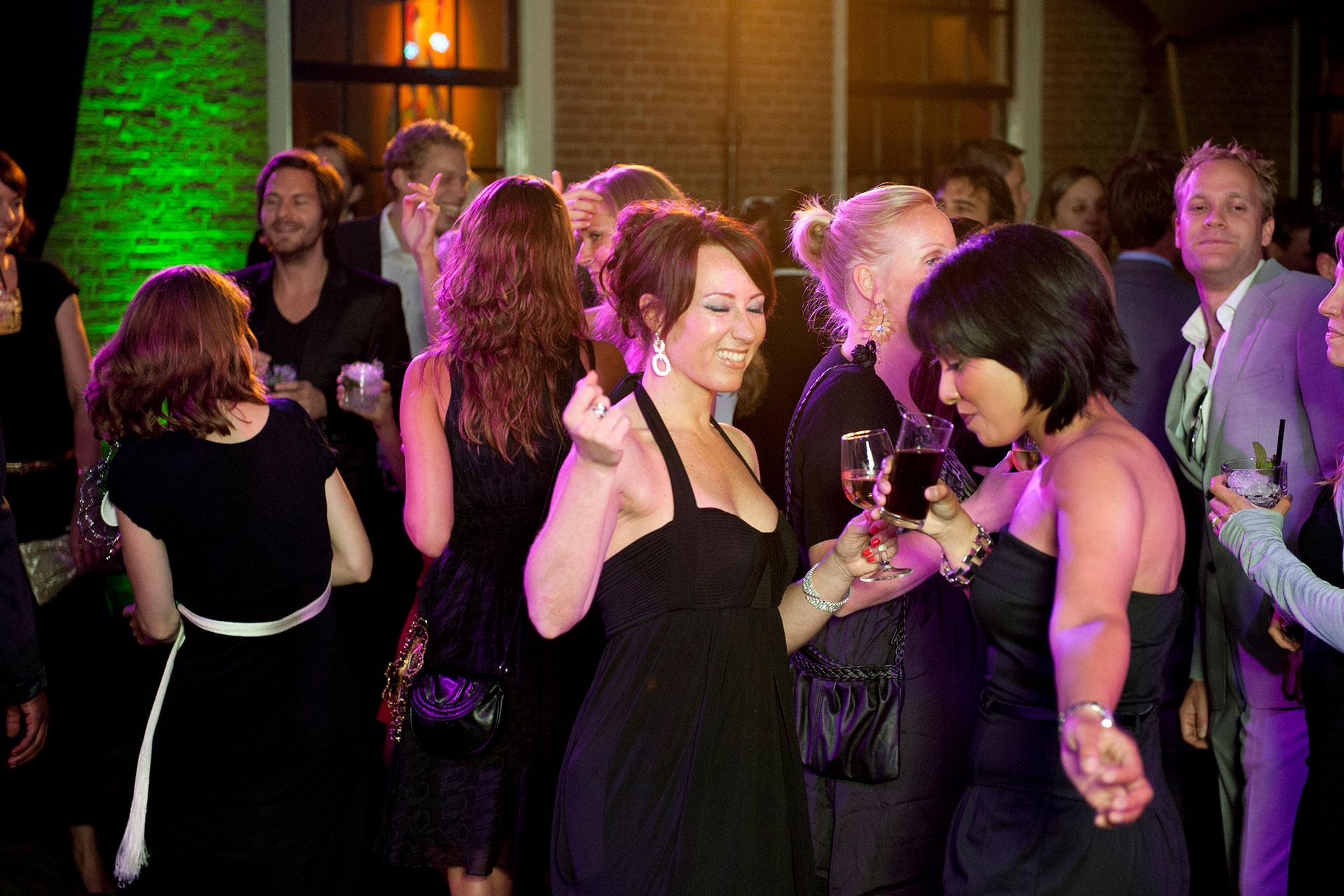 Dansen feesten kasteel woerden bedrijfsfeest feestlocatie in randstad accommodatie dichtbij amsterdam rotterdam den haag feestlocatie bedrijfsfeest personeelsfeest binnenplaats zakelijk event sfeervol bijzonder