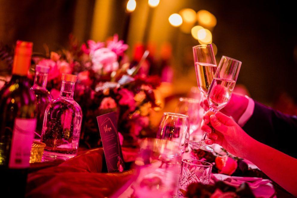 kasteel woerden buiten trouwen binnen trouwen trouwlocatie huwelijksdag ceremonie huwelijksdiner trouwfeest romantisch slotgracht park