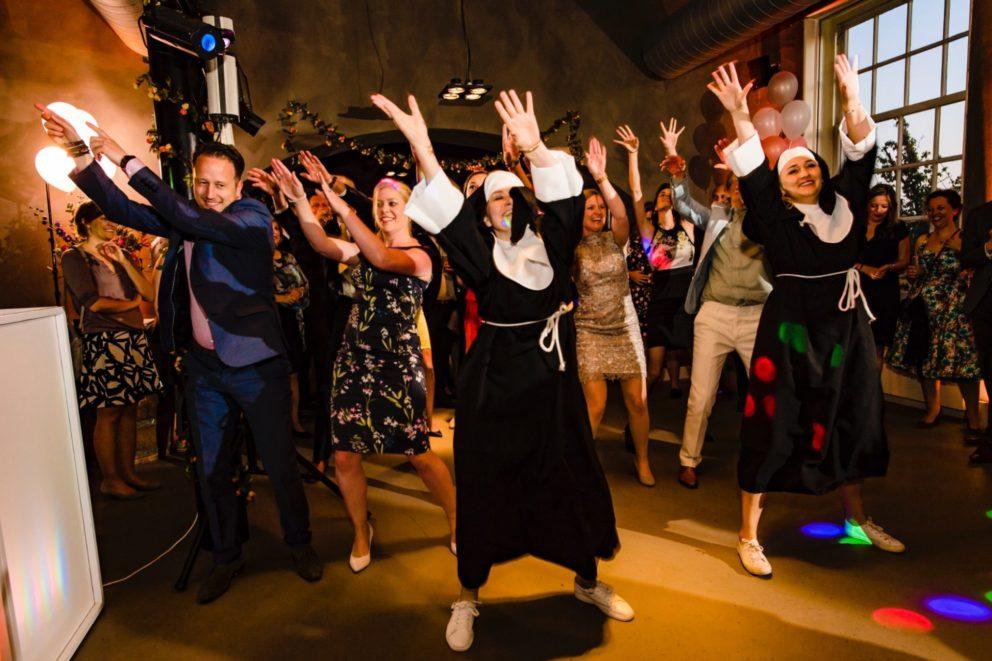 huwelijksfeest trouwlocatie trouwen woerden regio utrecht centraal in groene har randstad Kasteel Woerden is eventlocatie voor een spetterend feest groen kasteel woerden gracht water